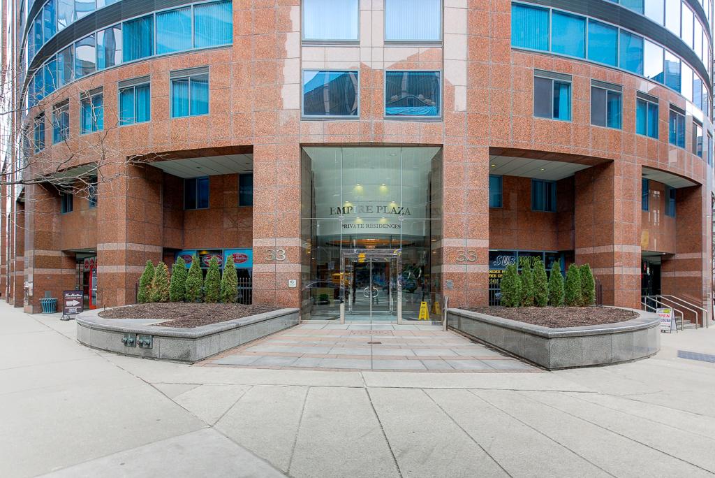Icon Condominiums - 33 University Avenue