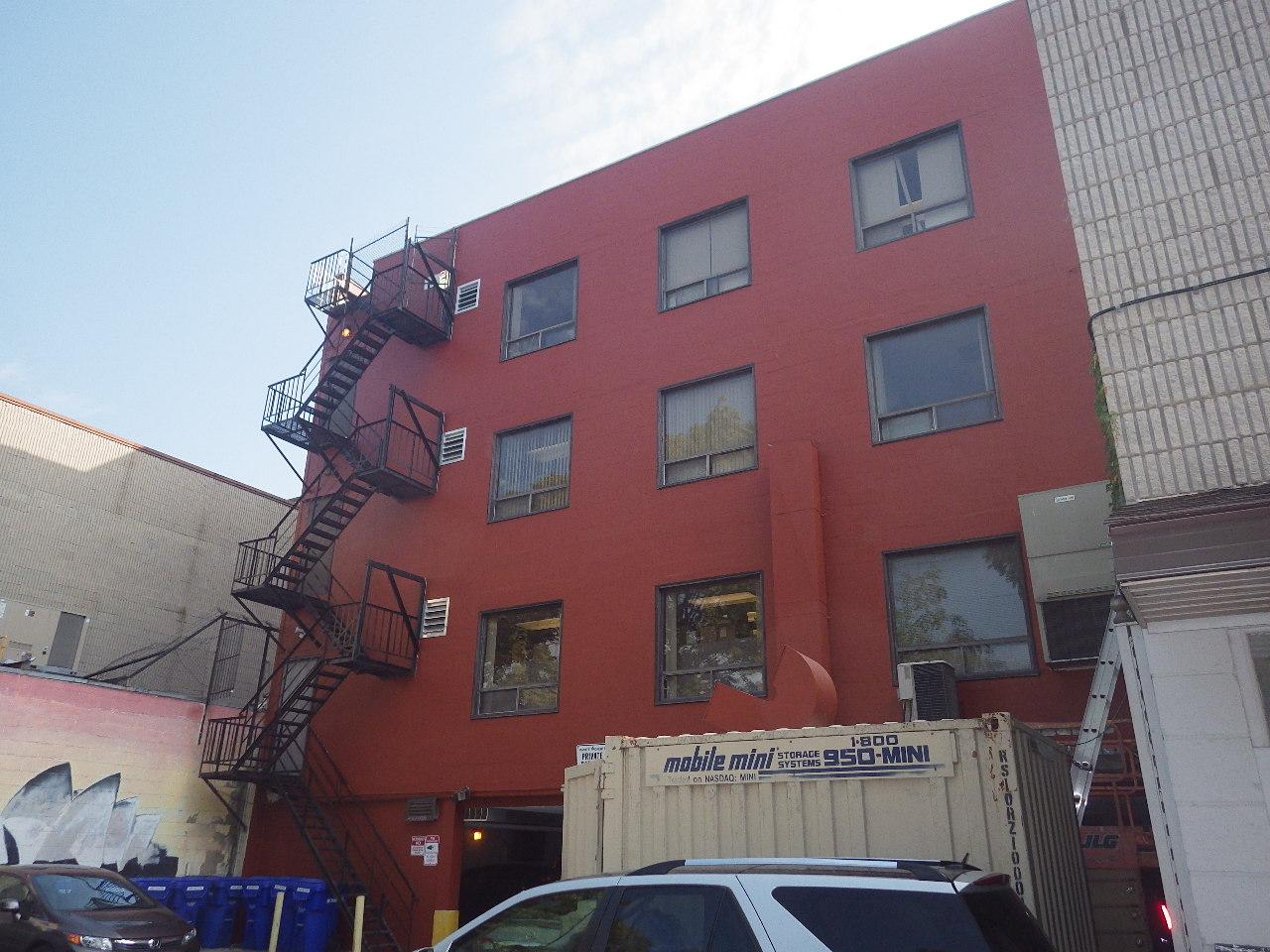 Billibong Properties - 3284 Yonge St